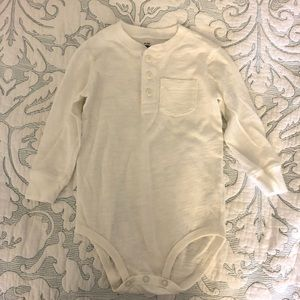NWOT Oshkosh white onesie 24mo